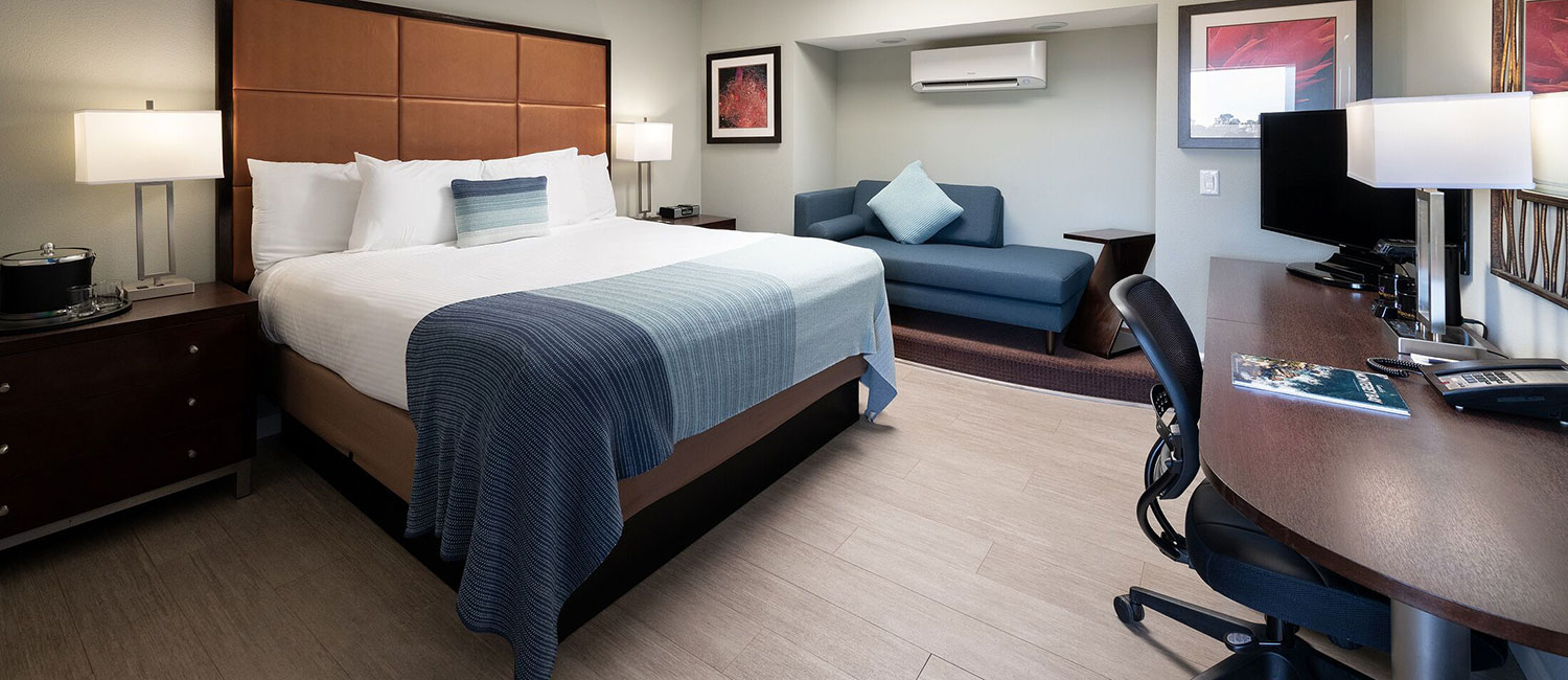 SPACIOUS AND CONTEMPORARY GUEST ROOMS IN THE HEART OF MONTEREY, CA