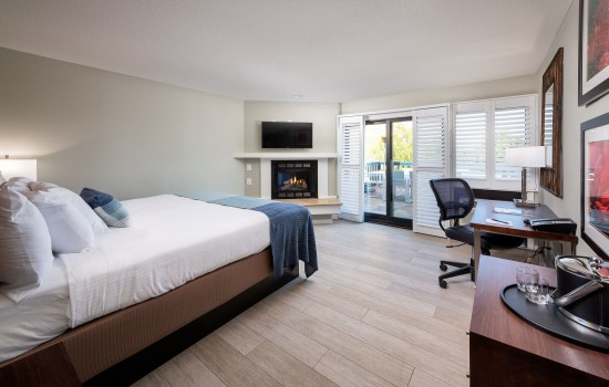 Welcome To Mariposa Inn & Suites - Deluxe King Room